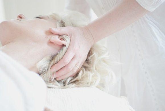 trattamento shiatsu per mal di testa